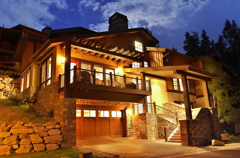 Front Picture at Night of Our Vacation Rental in Park City.